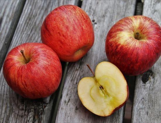 Proprietà e benefici della mela annurca mele rosse